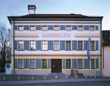 NMO – Naturkundemuseum Ostbayern – Geschichte – Haus Aussenansicht
